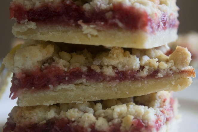STRAWBERRY RHUBARB SQUARES || NFS