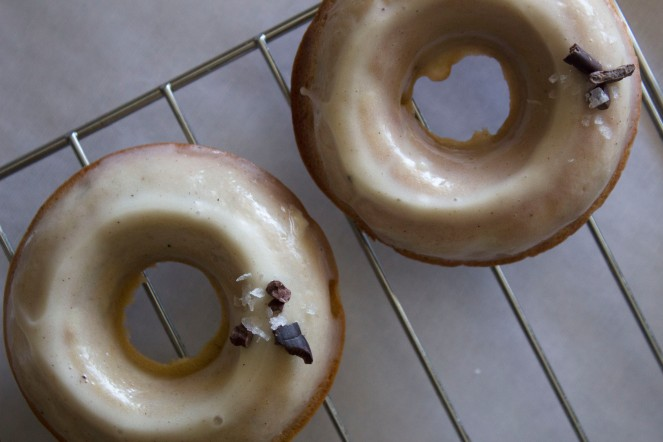 BANANA FOSTER CAKE DONUTS || NFS
